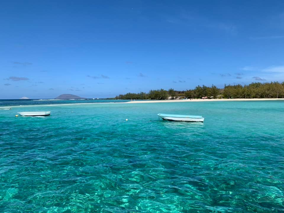 mauritius cyclone saa cancels flights