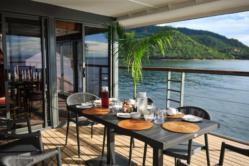 african dream riverboat chobe national park botswana