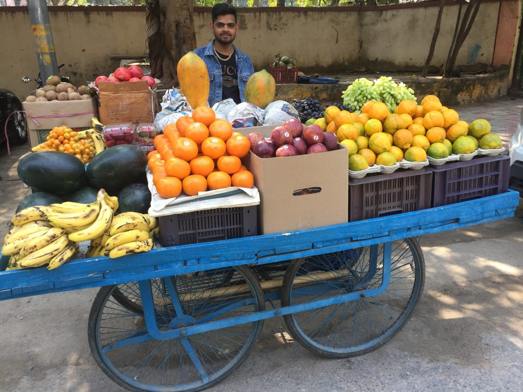 fruit seller delhi india