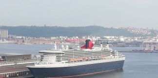 queen mary cruise ship liner duirban harbour south africa