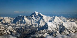 everest mountain climb travel
