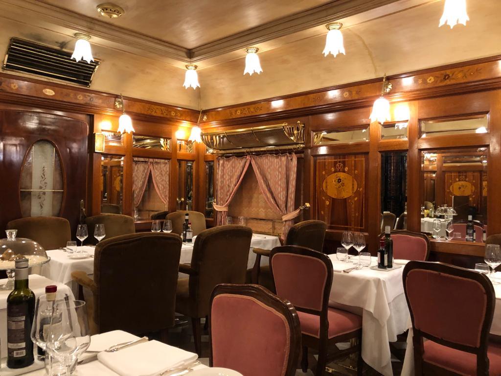 venice restaurant empty